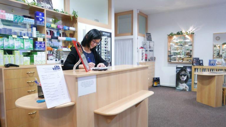 Pohled do prodejny v Přelouči.